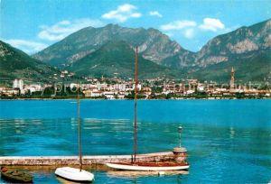 AK / Ansichtskarte Lecco Blick vom Hafen auf die Stadt Kat. Lecco