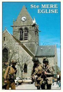AK / Ansichtskarte Sainte Mere Eglise Commemoration anniversaire du debarquement devant eglise  Kat. Sainte Mere Eglise