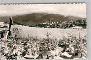 AK / Ansichtskarte Winterberg Hochsauerland Winterpanorama mit neuer St Georg Sprungschanze Skispringen Kat. Winterberg