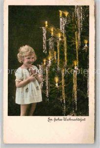 AK / Ansichtskarte Weihnachten Kind Weihnachtsbaum  Kat. Greetings