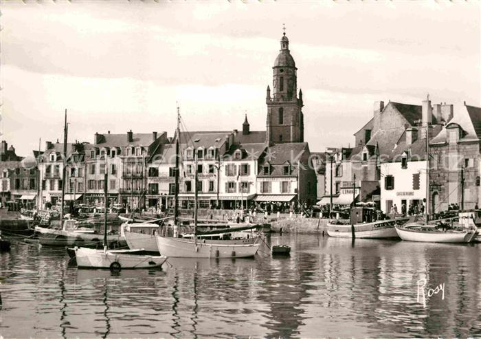 AK / Ansichtskarte Le Croisic Le Port devant le Quai et l Eglise Kat. Le Croisic