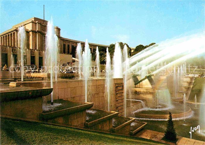 AK / Ansichtskarte Paris Les jeux d eau du Palais de Chaillot Kat. Paris