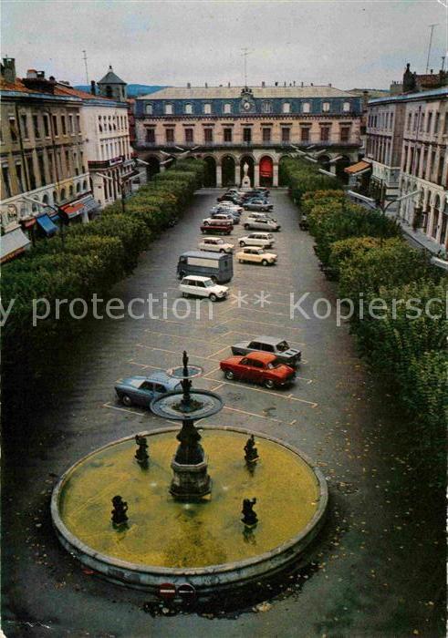 AK / Ansichtskarte Castres Tarn Place Jean Jaures avec le monument de Jaures et sa fontaine Kat. Castres