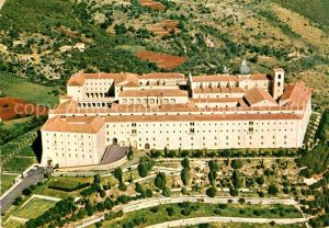 AK / Ansichtskarte Montecassino Abbazia vista dall aereo Kloster Kat.