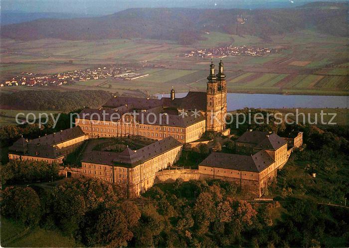 AK / Ansichtskarte Kloster Banz mit Vierzehnheiligen im Hintergrund Fliegeraufnahme Kat. Bad Staffelstein