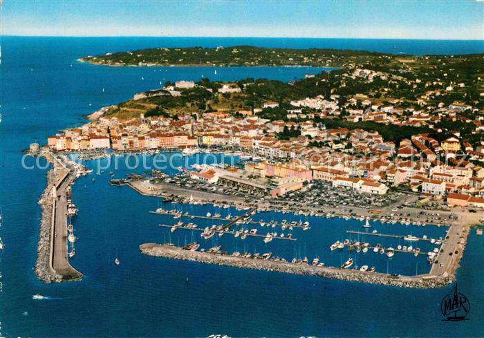 AK / Ansichtskarte Saint Tropez Var Vue generale aerienne le nouveau Port et la Citadelle Kat. Saint Tropez