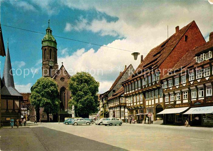 AK / Ansichtskarte Einbeck Niedersachsen Marktplatz Kirche Kat. Einbeck