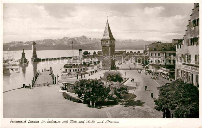 AK / Ansichtskarte Lindau Bodensee Hafen Turm Ferieninsel mit Blick auf Saentis und Altmann Appenzeller Alpen Kat. Lindau (Bodensee)