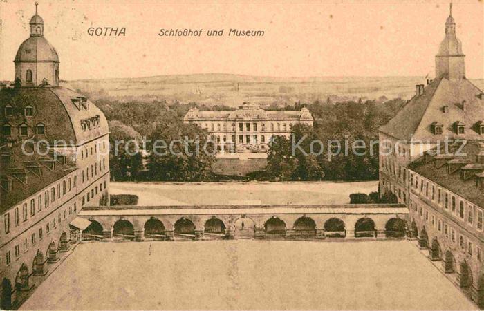 AK / Ansichtskarte Gotha Thueringen Schlosshof Museum  Kat. Gotha