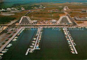 AK / Ansichtskarte La Grande Motte Vue d ensemble par avion sur la nouvelle station balneaire Kat. La Grande Motte
