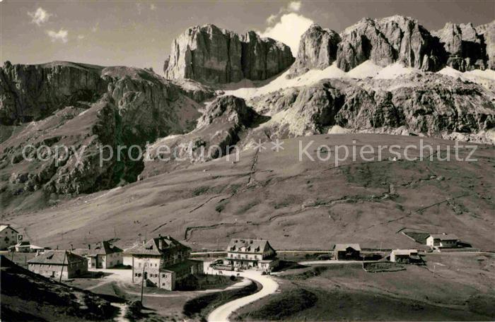 AK / Ansichtskarte Passo Pordoi Gruppo Sella Cima Pordoi Dolomiti Dolomiten Kat. Italien