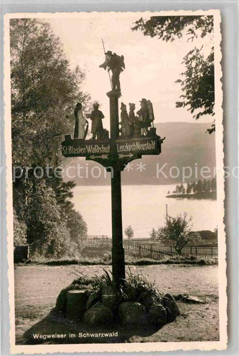 AK / Ansichtskarte Titisee Wegweiser Schnitzerei Kat. Titisee Neustadt