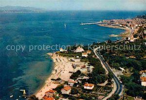 AK / Ansichtskarte Saint Tropez Var Fliegeraufnahme Strand Bouillabaisse Beach Kat. Saint Tropez