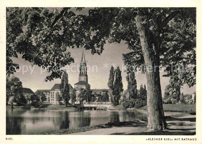 AK / Ansichtskarte Kiel Kleiner Kiel Uferpromenade mit Rathaus Kat. Kiel