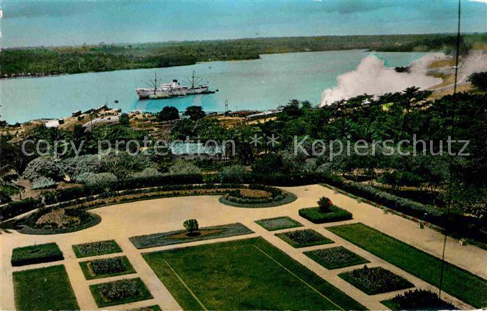 AK / Ansichtskarte Abidjan Jardin a la Francaise du Palais du Gouverneur et la Lagune Kat. Abidjan