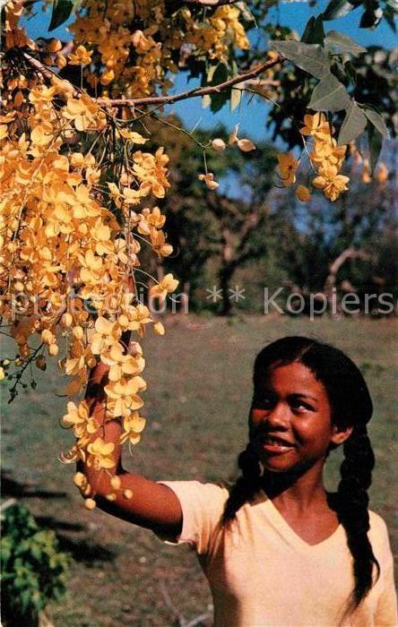 AK / Ansichtskarte Martinique Enfant aux fleurs Kat. Martinique