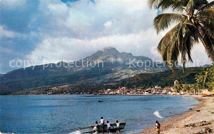 AK / Ansichtskarte Saint Pierre Martinique Plage et le Mont Pele