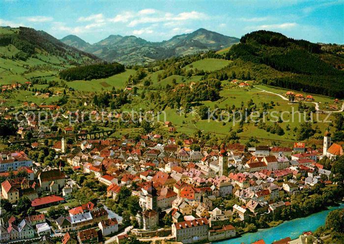 AK / Ansichtskarte Waidhofen Ybbs Stadt mit mittelalterlichem Stadtbild Voralpen Fliegeraufnahme Kat. Waidhofen an der Ybbs