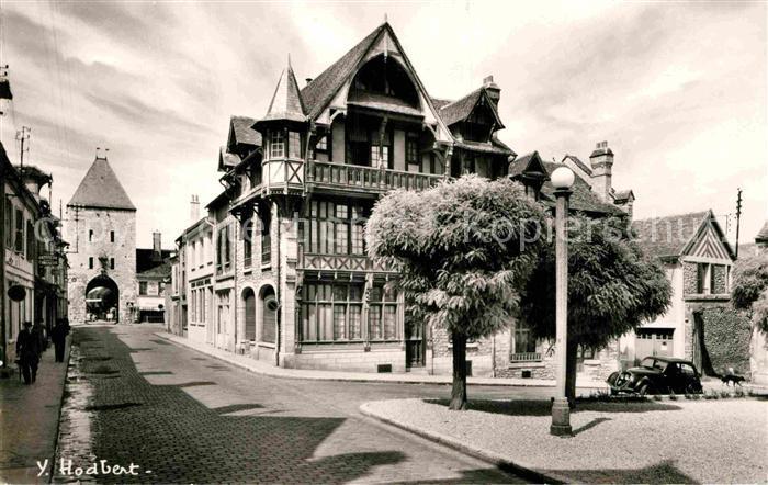 AK / Ansichtskarte Moret sur Loing Rue Grande Porte de Paris  Kat. Moret sur Loing 0