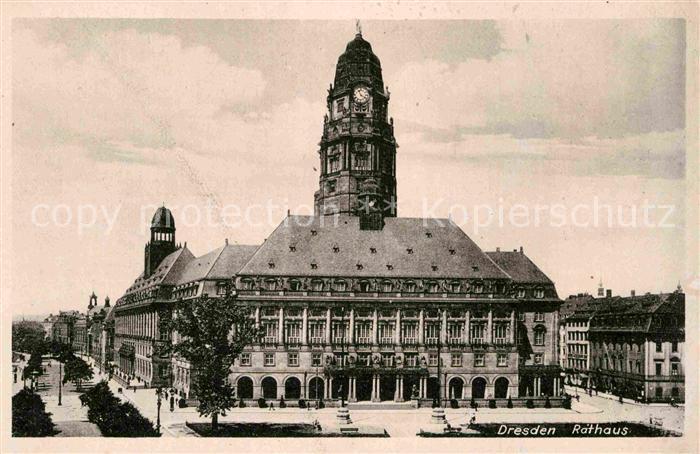 AK / Ansichtskarte Dresden Rathaus Kat. Dresden Elbe