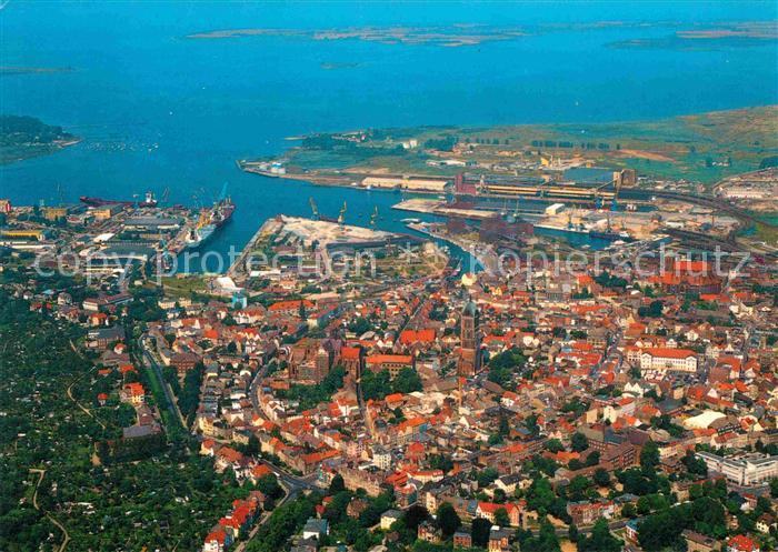 AK / Ansichtskarte Wismar Mecklenburg Fliegeraufnahme Hafen Insel Poel Altstadt