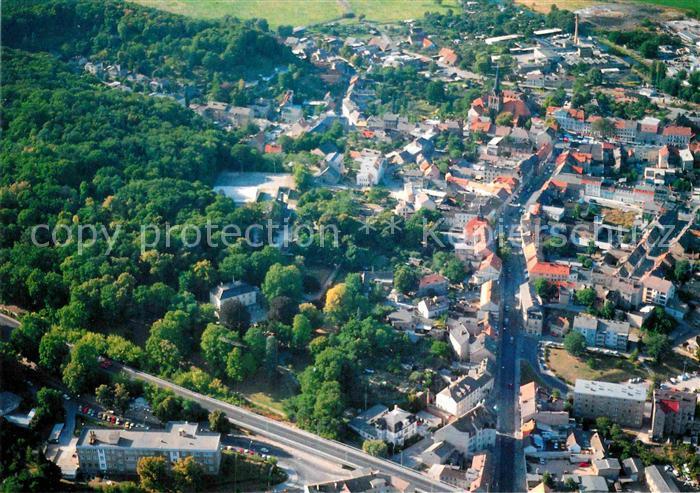 AK / Ansichtskarte Freienwalde Bad Fliegeraufnahme Innenstadt Schloss Park Kat. Bad Freienwalde