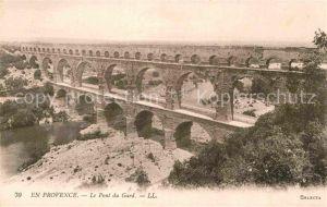 AK / Ansichtskarte Vers Pont du Gard Le Pont du Gard Viaduc Kat. Vers Pont du Gard