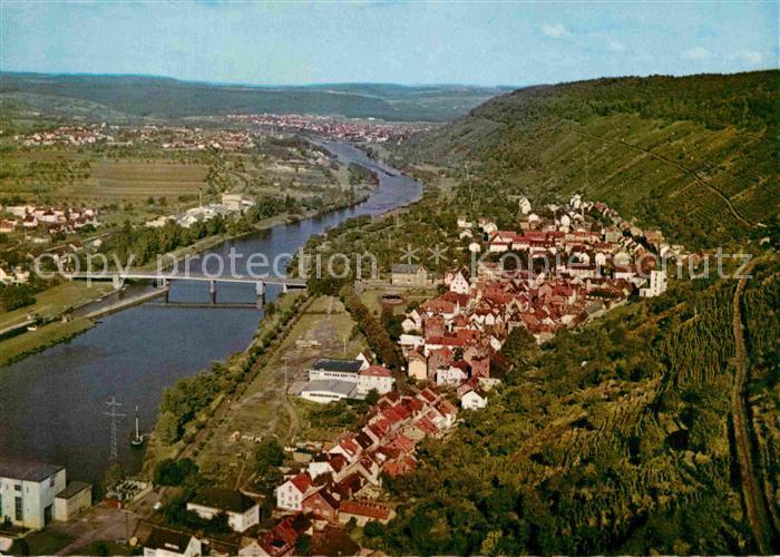 AK / Ansichtskarte Klingenberg Main Fliegeraufnahme Rotweinstadt mit Bacharach  Kat. Klingenberg a.Main