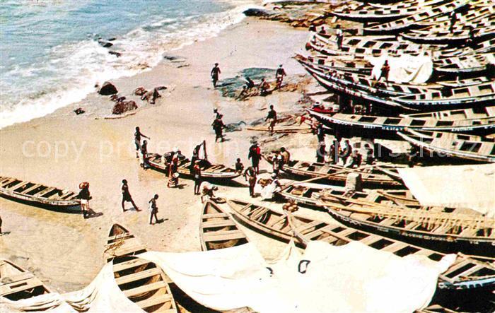 AK / Ansichtskarte Ghana Surf Boats Kat. Ghana