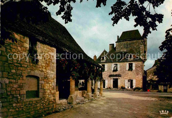 AK / Ansichtskarte Domme La Halle et la maison du gouverneur  Kat. Domme
