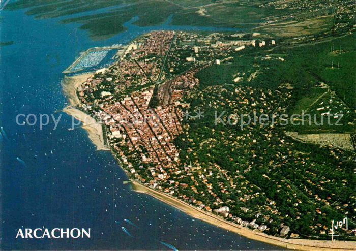 AK / Ansichtskarte Arcachon Gironde Fliegeraufnahme Kat. Arcachon