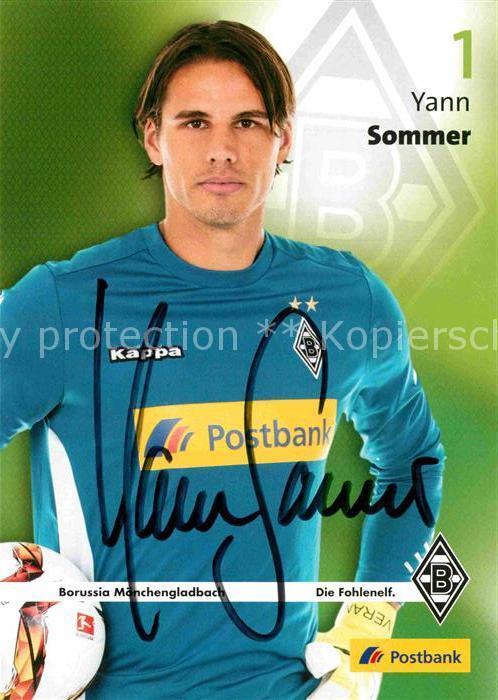 AK / Ansichtskarte Fussball Yann Sommer Autogramm  Kat. Sport