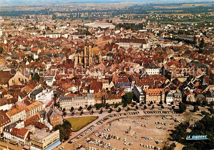 AK / Ansichtskarte Colmar Haut Rhin Elsass Place Rapp Vieux Quartier Cathedrale St. Martin Vue aerienne  Kat. Colmar