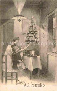 AK / Ansichtskarte Weihnachten Kinder Weihnachtsbaum schmuecken Trommel  Kat. Greetings