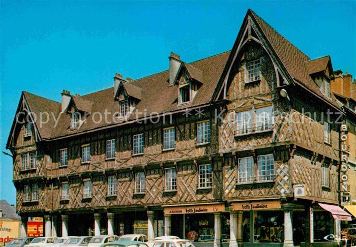AK / Ansichtskarte Compiegne Oise Vieille maison Place Saint Clement Kat. Compiegne