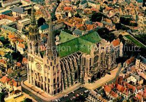 AK / Ansichtskarte Chartres Eure et Loir Vue aerienne de la Cathedrale Kat. Chartres