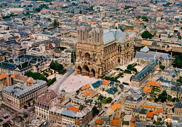 AK / Ansichtskarte Reims Champagne Ardenne Vue aerienne La cathedrale Kat. Reims