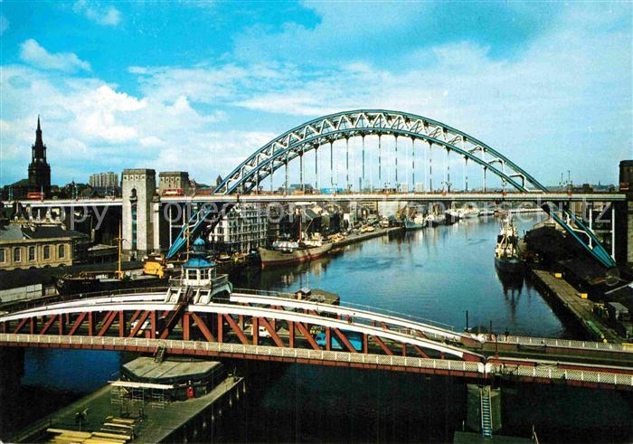AK / Ansichtskarte Newcastle upon Tyne Swing Bridge and Tyne Bridge Kat. Newcastle upon Tyne