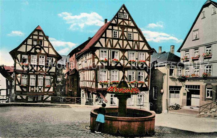 AK / Ansichtskarte Wetzlar Kornmarkt Brunnen Fachwerkhaeuser Kat. Wetzlar