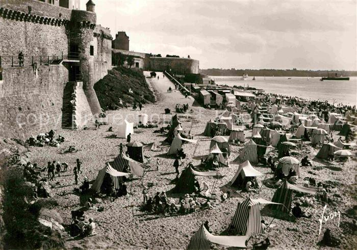 AK / Ansichtskarte Saint Malo Ille et Vilaine Bretagne Un coin de la plage de bon secours Kat. Saint Malo