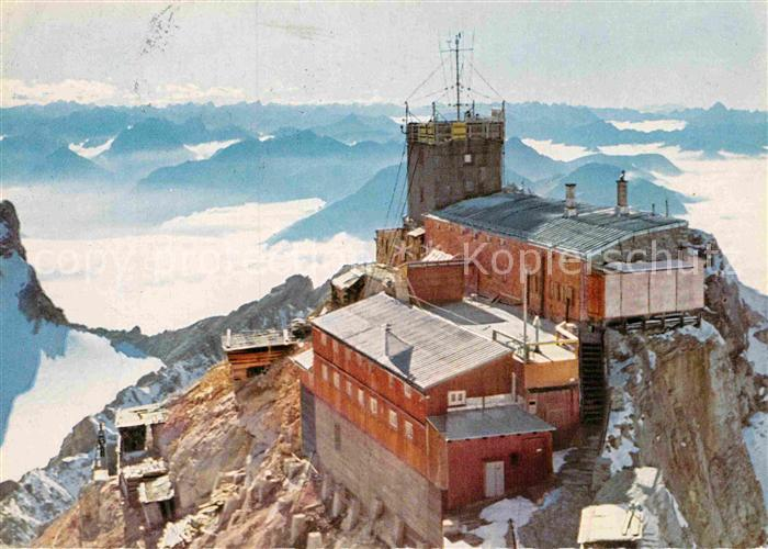 AK / Ansichtskarte Zugspitze Gipfelstation Zugspitzbahn Muenchner Haus oesterreichische und Schweizer Alpen Fernsicht Kat. Garmisch Partenkirchen