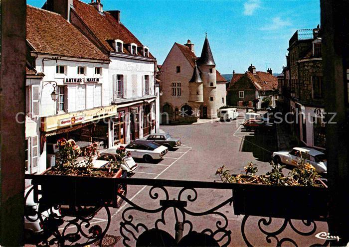 AK / Ansichtskarte Arnay le Duc Place de la Mairie Kat. Arnay le Duc