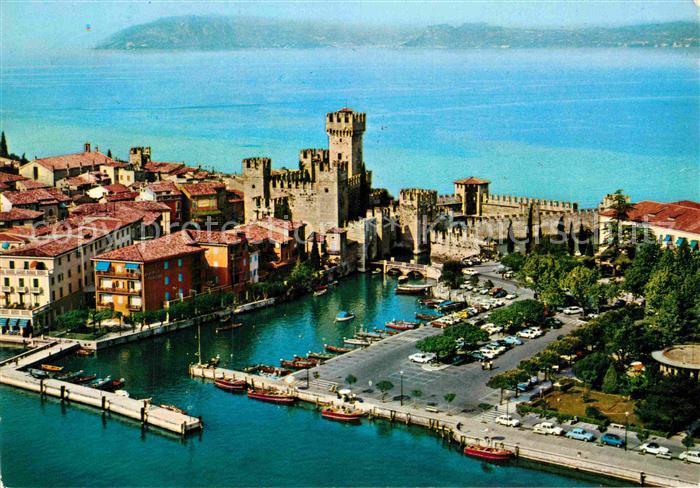 AK / Ansichtskarte Sirmione Lago di Garda Il Porto Fliegeraufnahme Kat. Italien