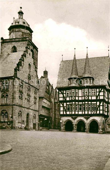 AK / Ansichtskarte Alsfeld Marktplatz Rathaus Fachwerkhaus Historisches Gebaeude Kat. Alsfeld
