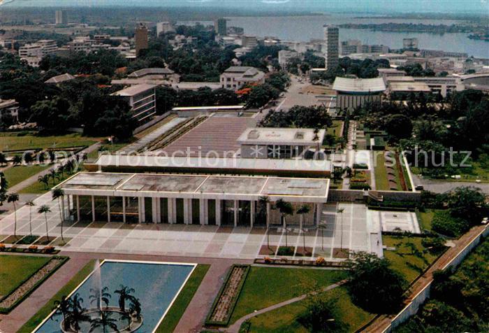 AK / Ansichtskarte Abidjan Fliegeraufnahme Praesidentenpalast Kat. Abidjan