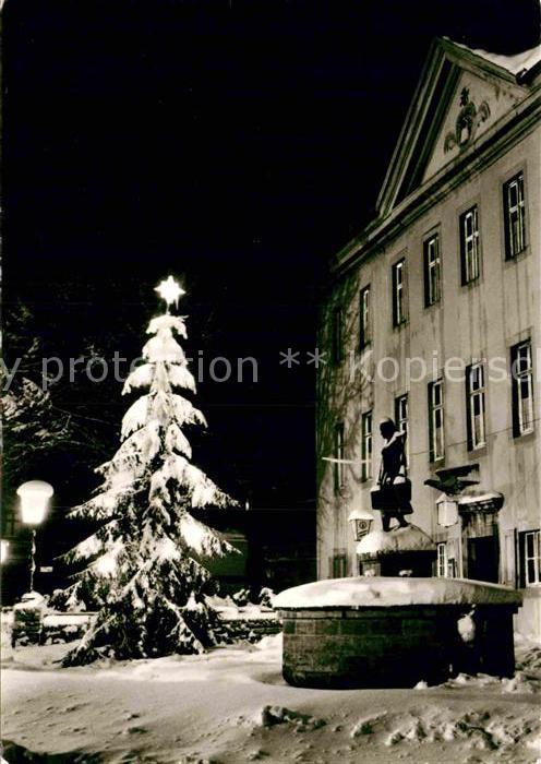 AK / Ansichtskarte Schoeningen Rathaus Wassertraegerin  Kat. Schoeningen