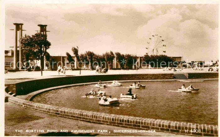 AK / Ansichtskarte Sheerness on Sea Boating Pond and Amusement Park 0