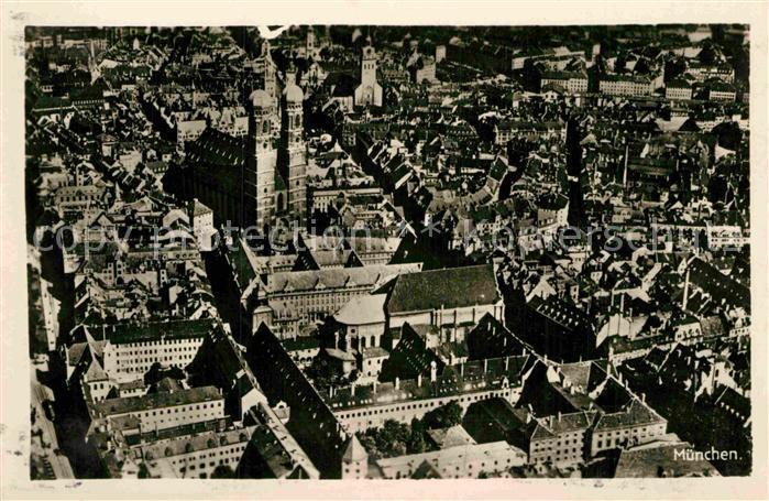 AK / Ansichtskarte Muenchen Zentrum Frauenkirche Fliegeraufnahme Kat. Muenchen 0