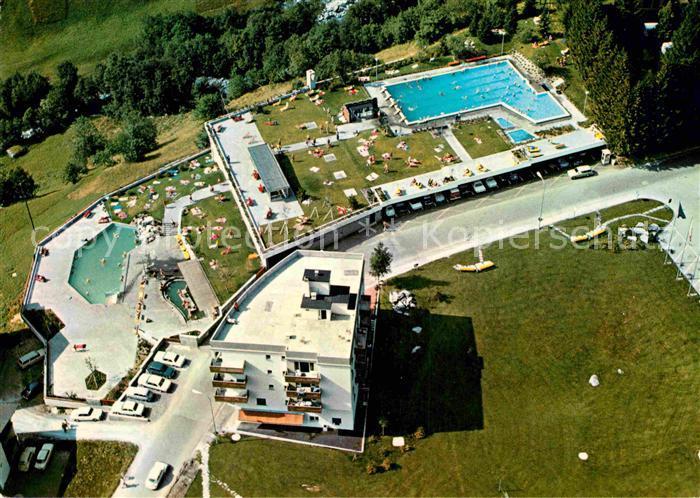 AK / Ansichtskarte Leukerbad Gehbad Fussbad Schwimmbad Fliegeraufnahme Kat. Loeche les Bains 0