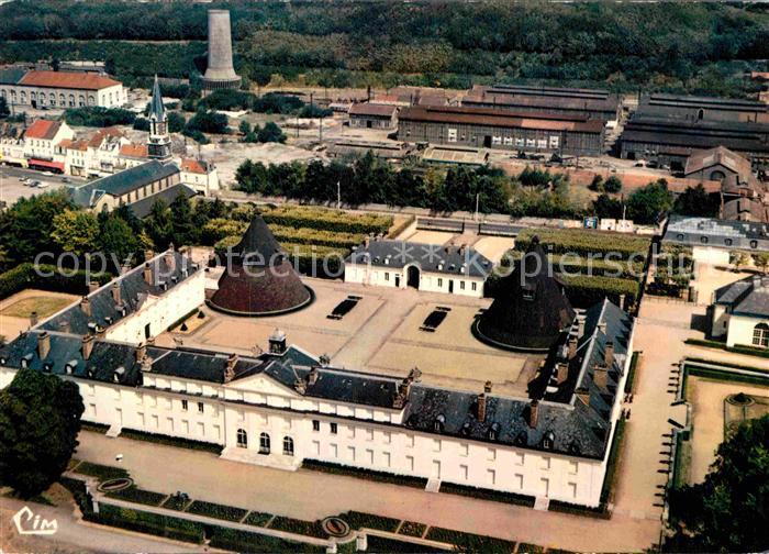 AK / Ansichtskarte Le Creusot Saone et Loire Fliegeraufnahme Chateau de la Verrerie Kat. Le Creusot
